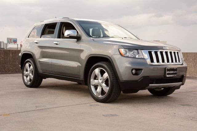 Captivating Pre Owned 2013 Jeep Grand Cherokee Overland
