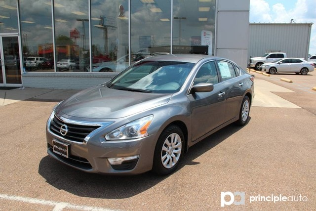 ... Front Wheel Drive Sedan. Pre Owned 2015 Nissan Altima 2.5 S