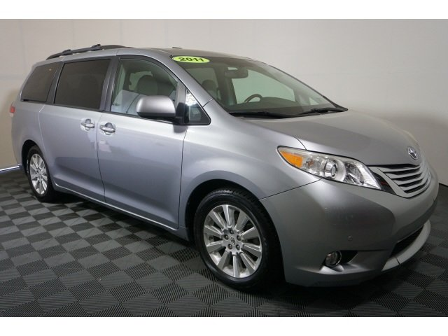 Pre-Owned 2011 Toyota Limited