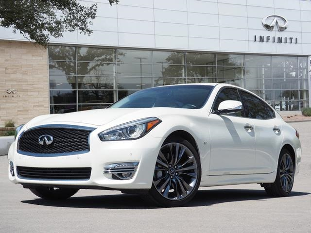 Certified Pre-Owned 2018 INFINITI Q70 3.7 LUXE, Essential, Premium Select Edition