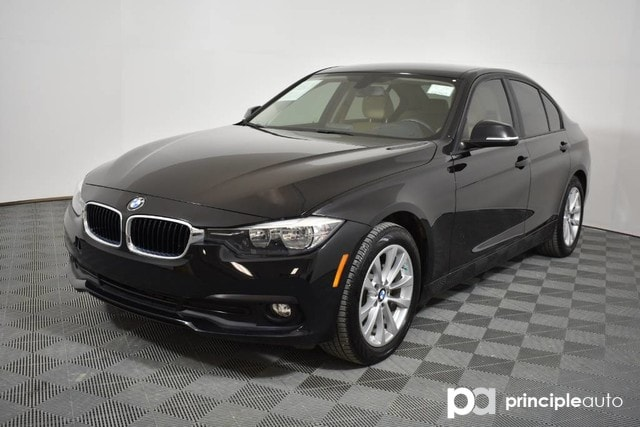 Certified Pre-Owned 2017 BMW 320i 320i