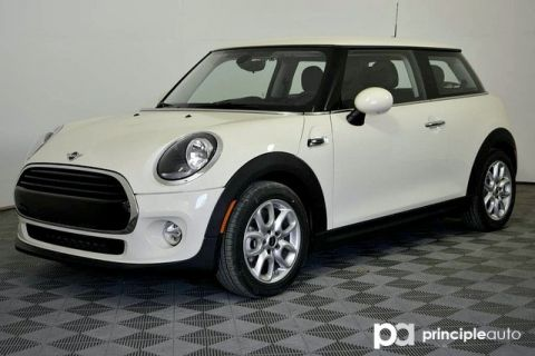 Pre-Owned 2019 MINI Hardtop 2 Door Cooper Signature